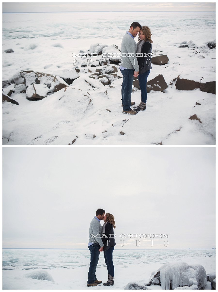 lake superior engagement session | duluth wedding and engagement photographer | mad chicken studio | northland special events wedding at bluefin bay