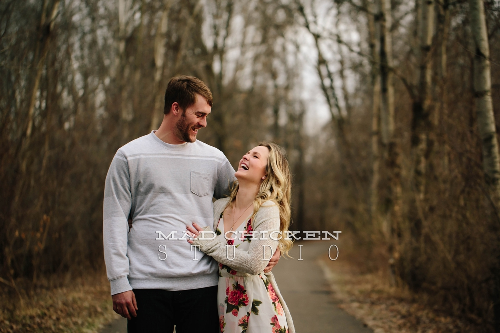 Woodbury engagemetn session in Twin Cities Metro Area | Photography session by Mad Chicken Studio