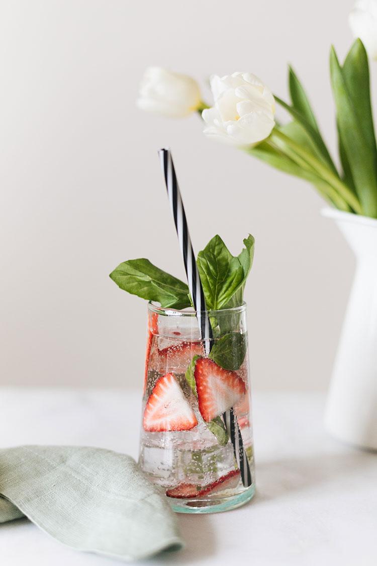 jojotastic-strawberry-basil-caipirinha-recipe-2.jpg