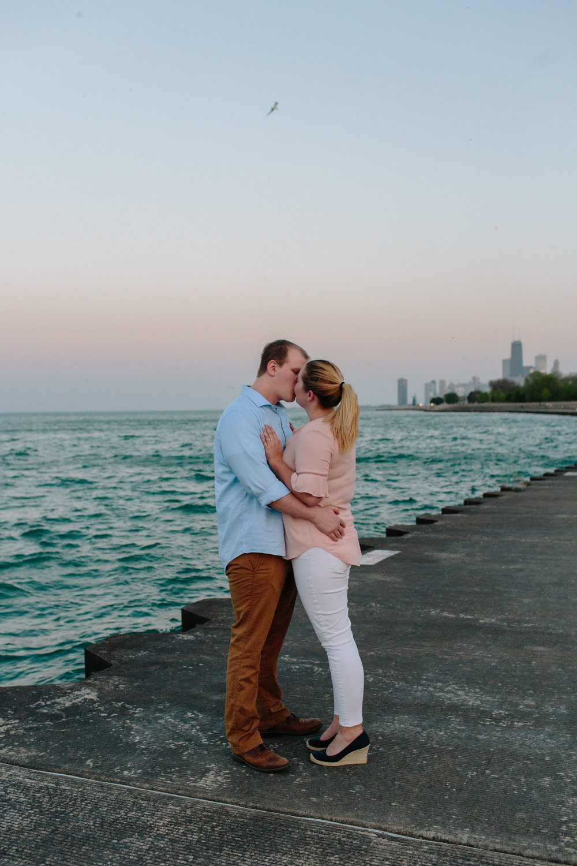 chicago-sunset-engagement-shoot-20.jpg