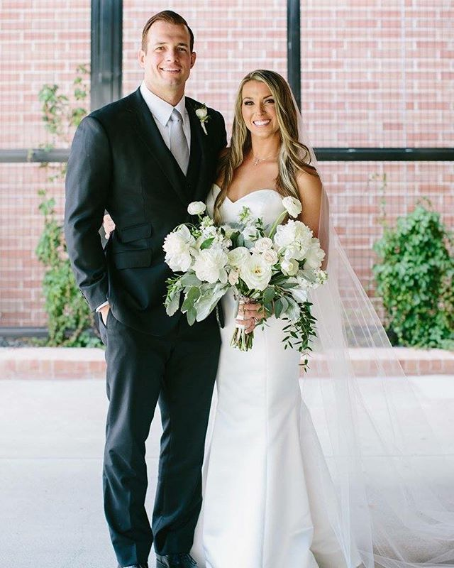 Classic & timeless wedding style 🌟 📸: @linejurgensen