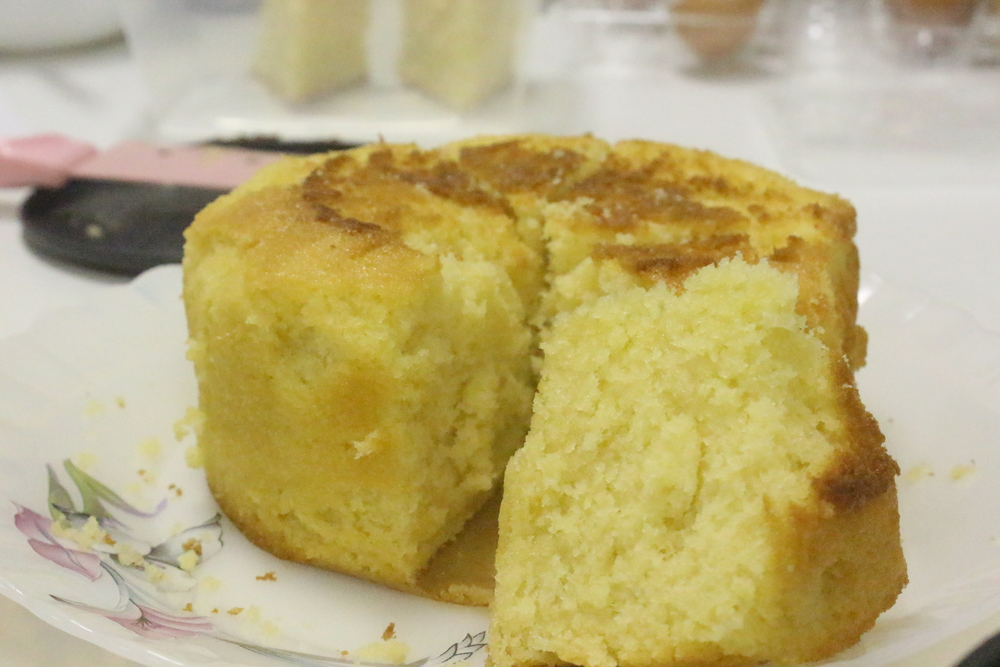 Convection Roaster Vanilla Cake baked the traditional way (moist and soft)
