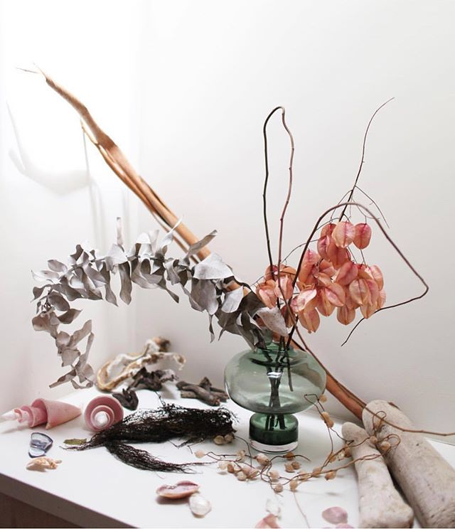 @isaisafloral creates beautiful arrangements that float somewhere between the realm of the living and the dead...