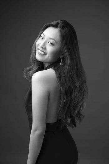 Victoria Songwei Li