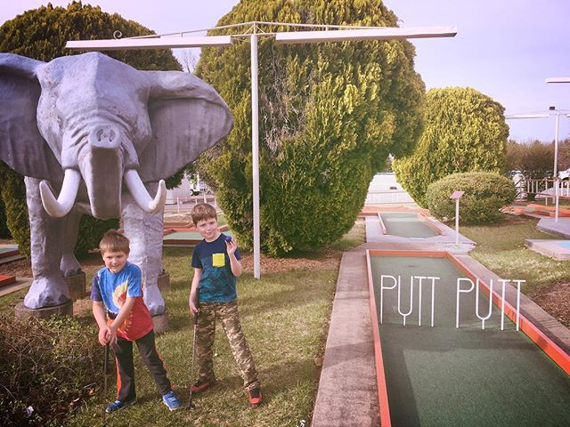 My little Putt Putt ambassadors. They waited for me to edit and file a whole shoot today and then stood by patiently and quietly(!) through a conference call. They earned a double-course game on our local Par 2. #springbreak2018 #workhardplayhard