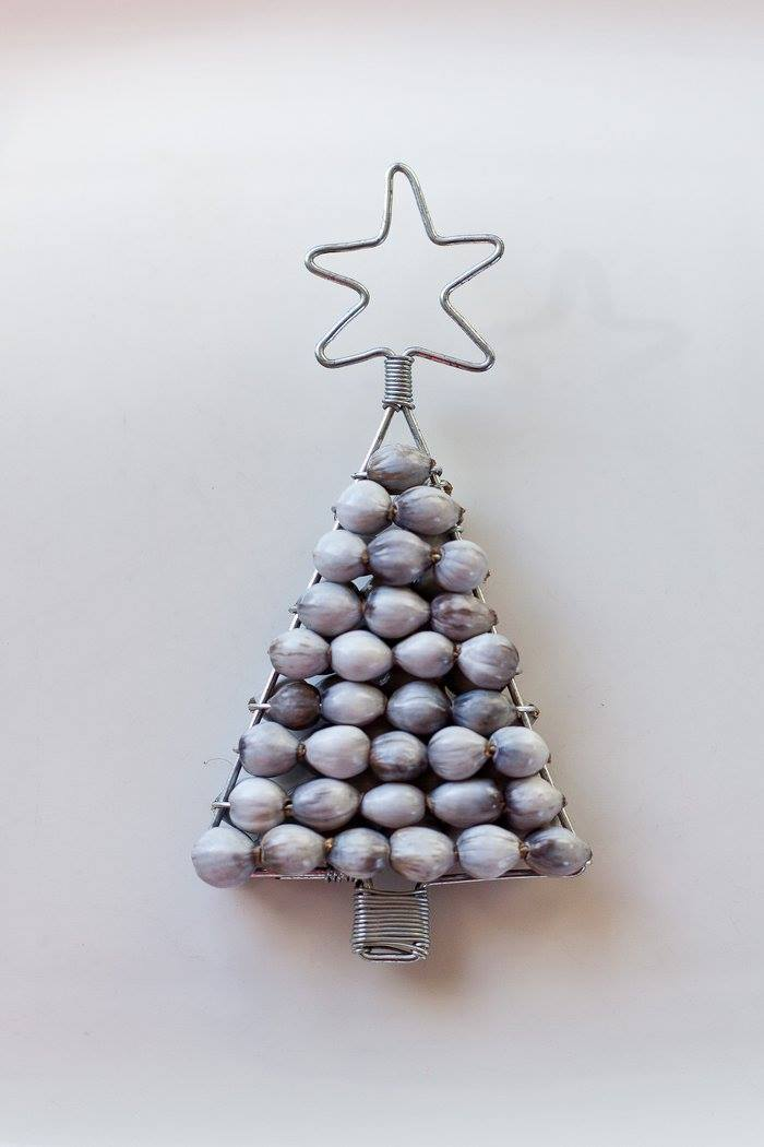 XM07 - Beaded Christmas Tree Decoration