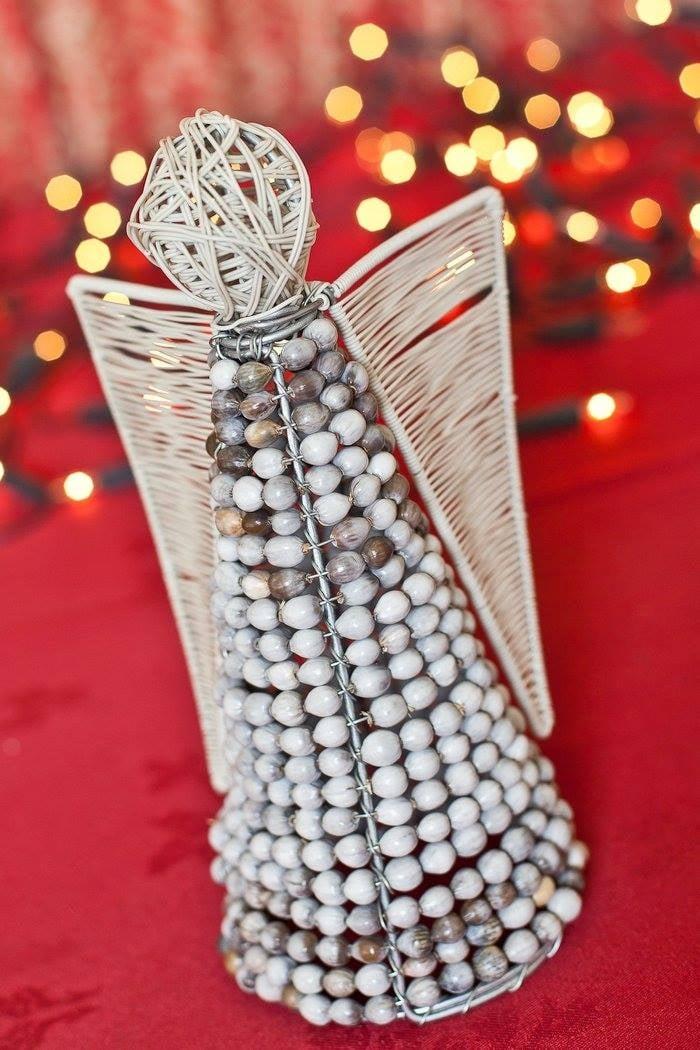 XM06 - Beaded Angel Christmas Decoration