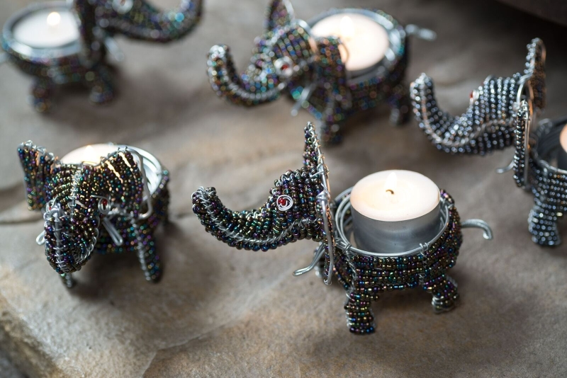AN19 - Beaded Elephant tealight holder