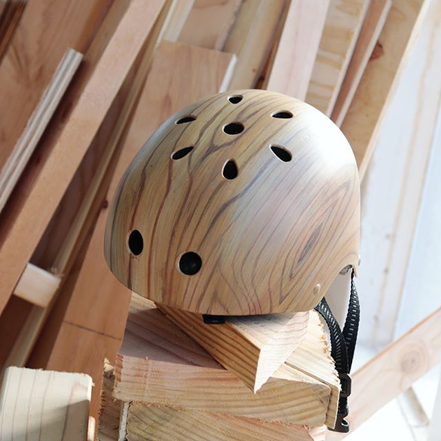 One of my favorite painting challenges is making helmets look like wood. 🛠✨Request any type of woodgrain finish for $115 (now discounted from $165) from our site and I'll figure out how to match it.