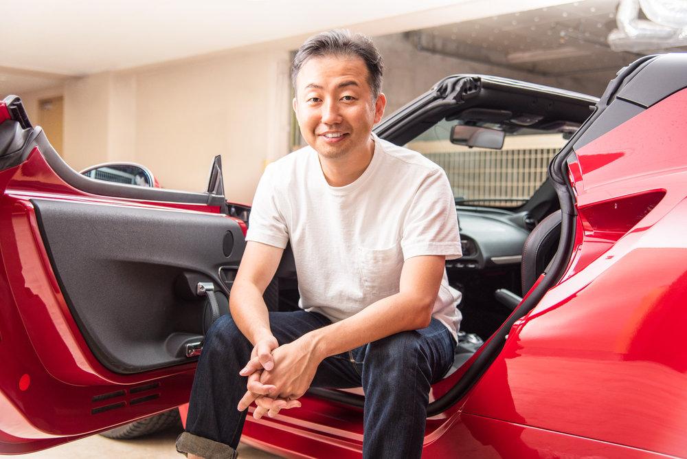 「輸入車にこだわりがあるわけではない」と彼は言うけれど、結果的にこれまでの愛車はすべて輸入車だ。憧れのクルマは、フェラーリのF355だ。
