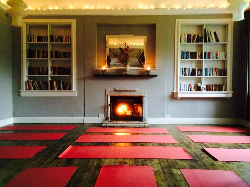 Tilton-House-library-A-beautiful-yoga-space.jpg