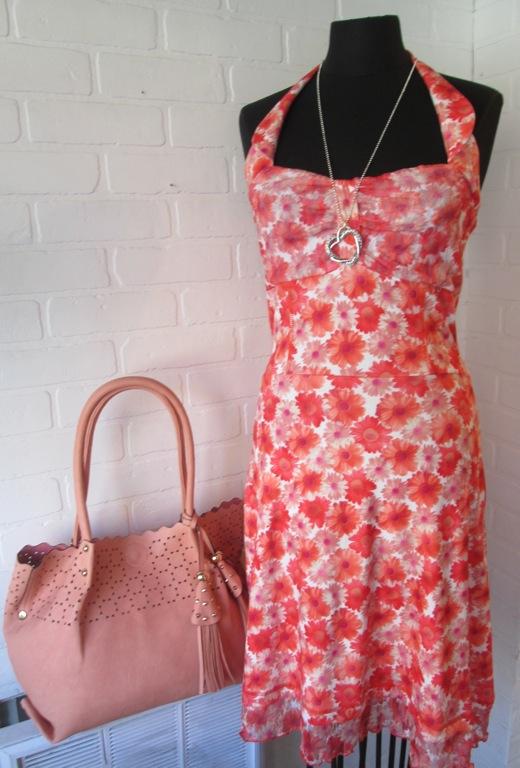 Nos designers québécois préférés  proposent des vêtements colorés, légers et de grande qualité                            Collection Karkass - sac à main Axelle                                                                                                                                                                                                                                                                   pour toutes occasions…