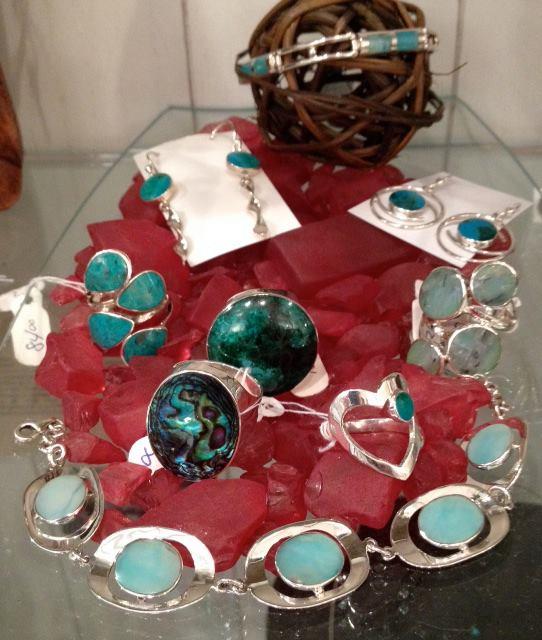 bijoux en argent et pierres semi-précieuses