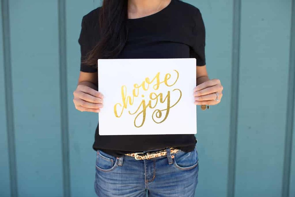 Mason Alley Calligraphy_Choose-Joy-gold-foil.jpg