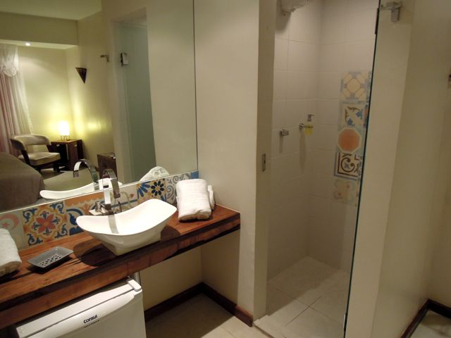 bathroom_QA1.jpg