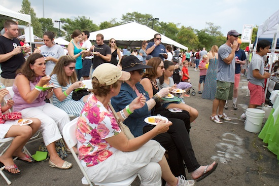 ctbites_blues_views_bbq_festival_tent_20141.jpg