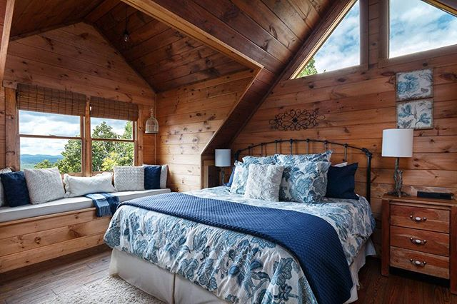 A #rustic #bedroom from the #customhome previously posted that my father built.  #interiordesign #interiorphotography #interiorphotographer #interior #architecture #architecturalphotographer #architecturalphotography #design #designinspiration #archidaily #raleighphotographer #raleigh #blueridge #georgia #realestate #vacationhome #mountainhome #northgeorgia