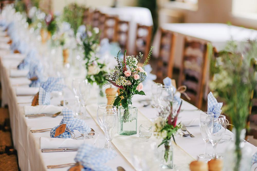 Gamle Museet Selskapslokaler, bryllup bord og dekorasjon.jpg