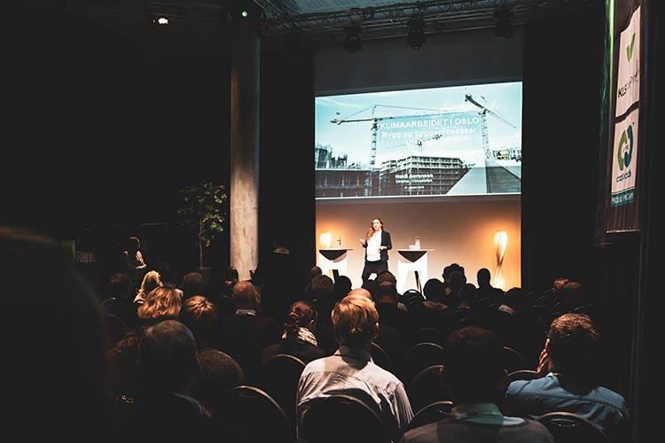 Det er lurt å samle alle presentasjonene på en maskin i forkant av konferansen for å få best mulig gjennomføring.
