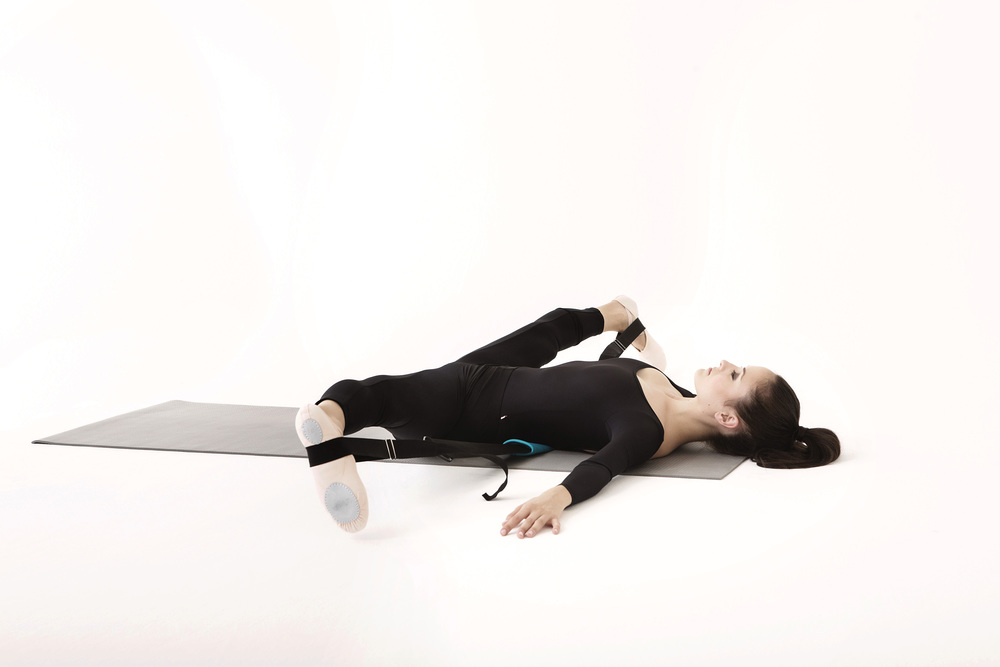 SUPINE MIDDLE SPLIT