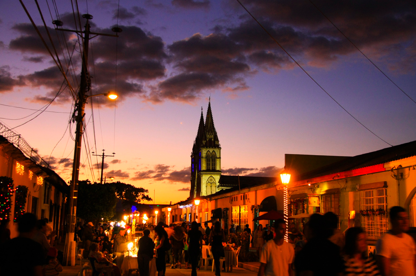 Tour Paseo del Carmen Nightlife (Intermediate & Premium packages only)