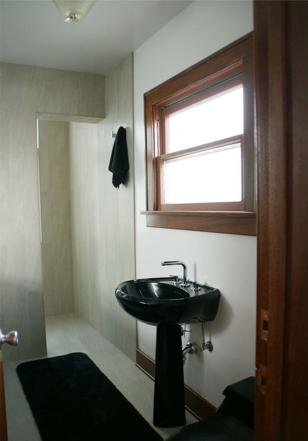 Master Bath - 3.jpg