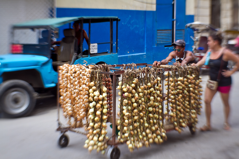 Onions and garlic vendors, Havana, Cuba