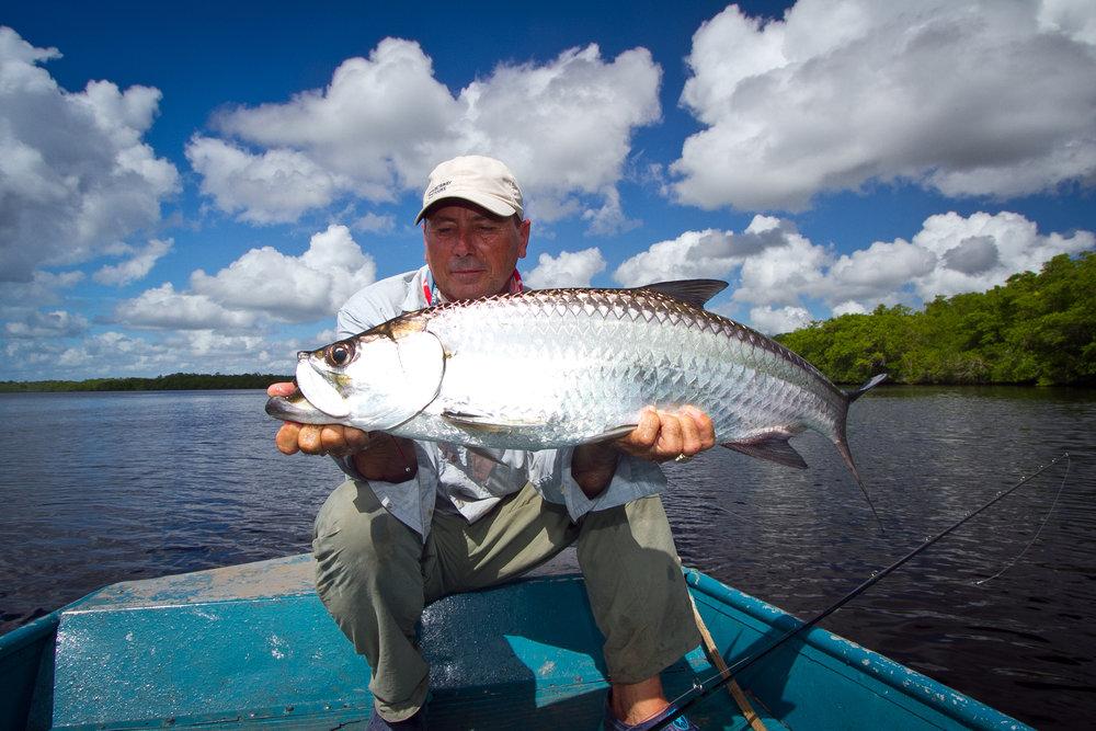 Head guide Felipe with a perfect Rio Hatiguanico Tarpon