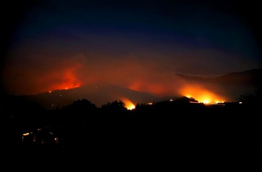 The Pfeiffer Ridge fire at night.  Photo by Magnus Toren