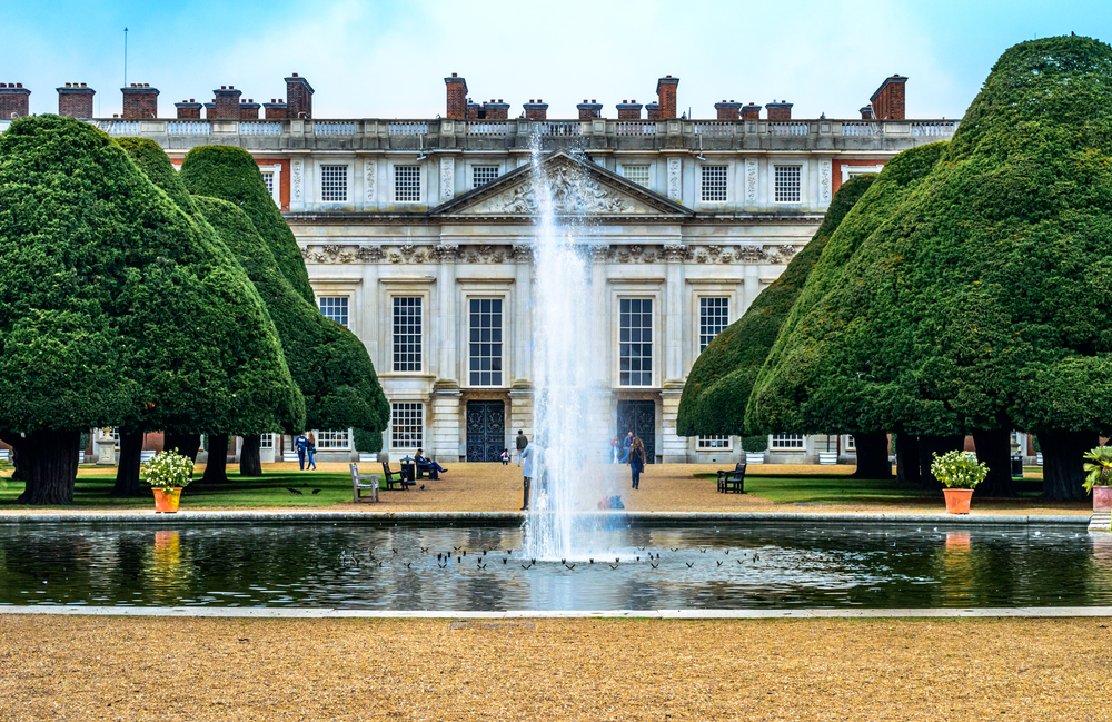 Hampton Court Palace-2.jpg