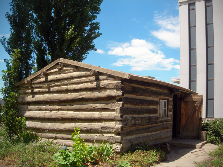 Pioneers' log cabin / Family History Library, Salt Lake City, Utah