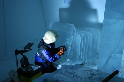 Susannah-Mira_ice-carving.jpg