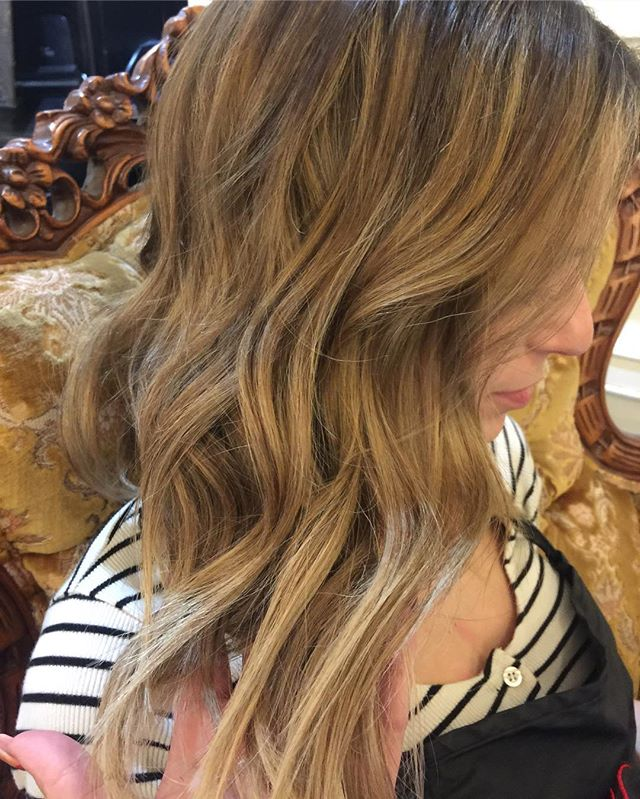 Balayage n babylights for my babe Becky ! @bckypzm #beckywiththegoodhair#yvr#vancouverhair#ashy#blond#blonde#bronde#wellahair#framarint#colorist#babylights#balayage#colortech#livedincolor#livedinhair#rootshade