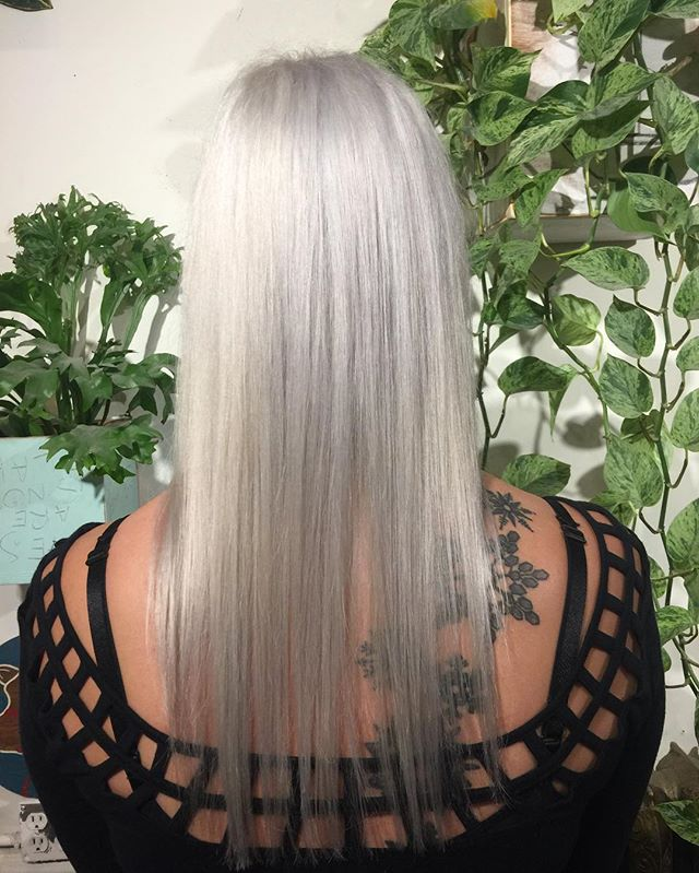 White hair for this babe #whitehair#silverhair#hairgoals#yvr#vancouverhair#colorist#color#blond#blonde