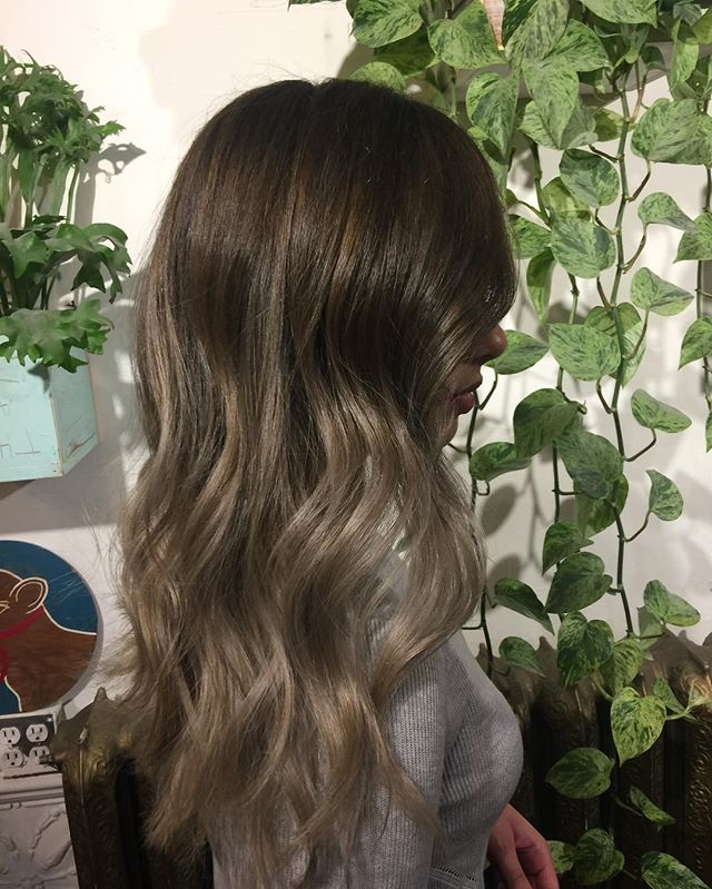 Ashy babe 😍🙏😩@thenatzmeowhair call asap to book Saturday last day before holidays ! Get her while she's in town ! #ashblonde#blonde#blond#bronde#balayage#sombre#ombre#babylights#colorist#colortech#wellahair#wella#yvr#vancouverhair#balayagehighlights#framarint#livedincolor#livedinhair