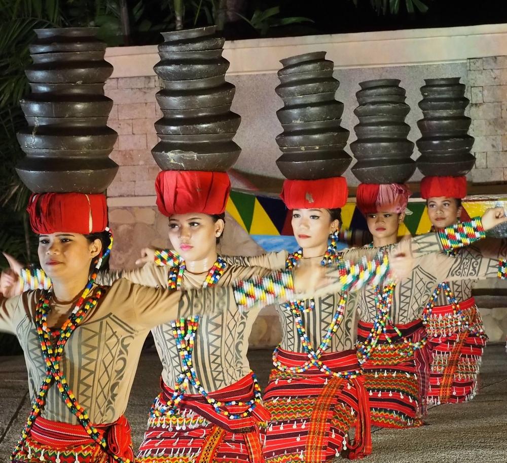 The fabulous cultural show at the Shangri-La Mactan