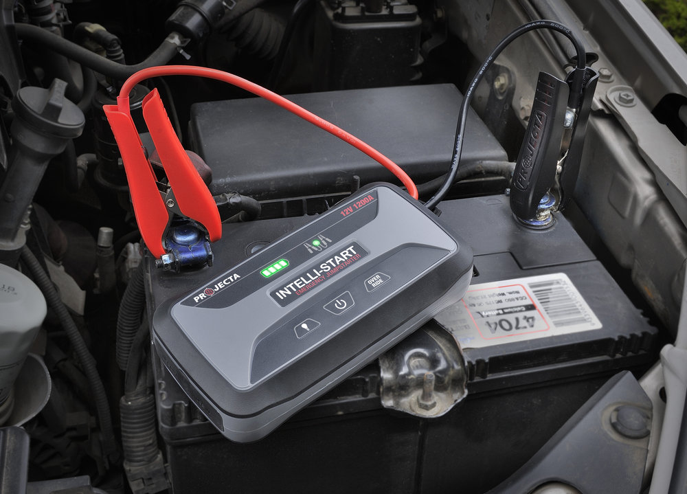 The Intelli-Start Jumpstarter in action - how easy is this!
