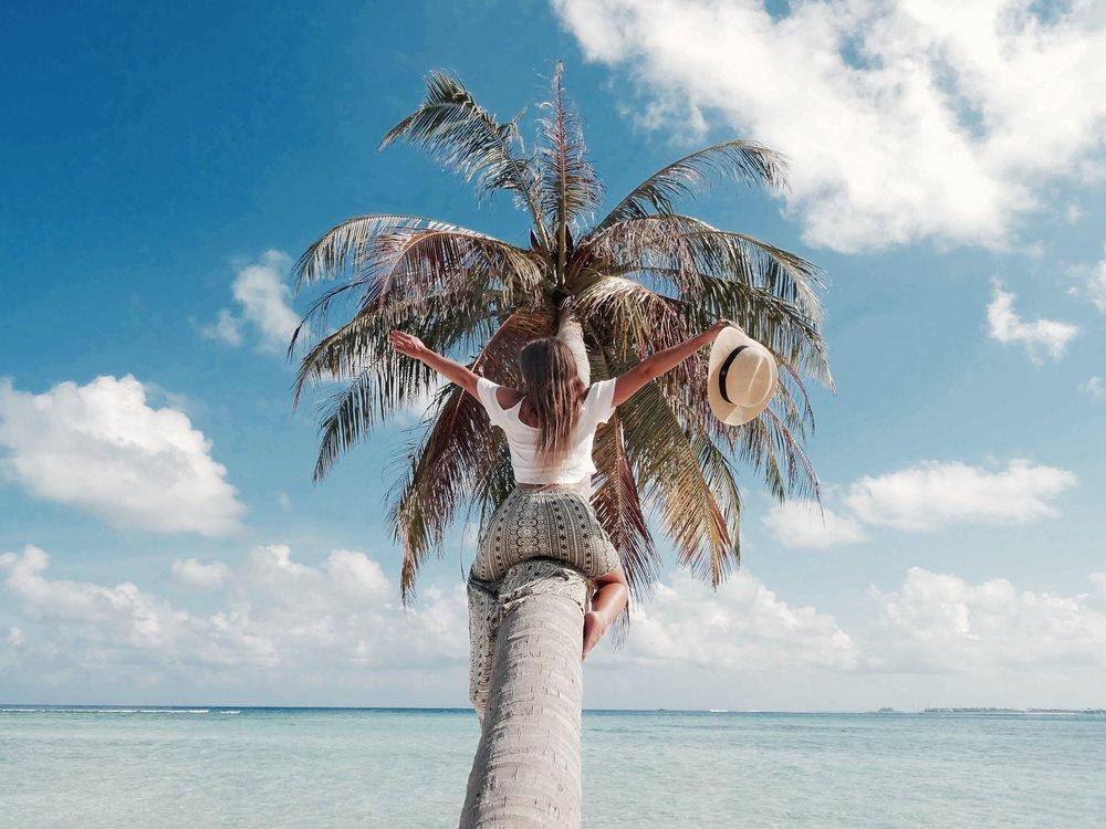 thulusdhoo maldives