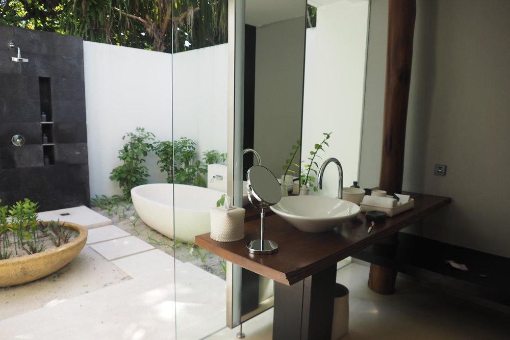 Maldives outdoor bath