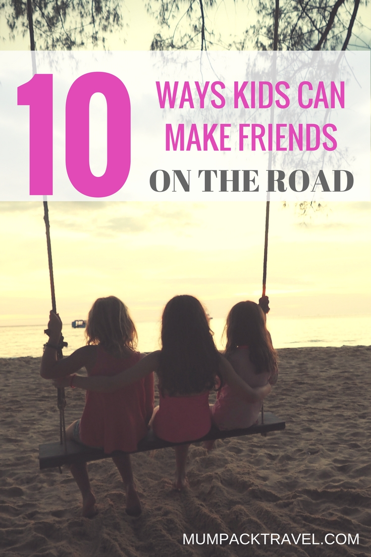 make friends while traveling