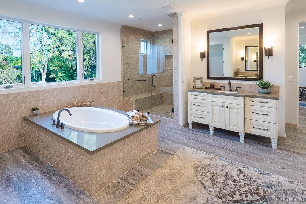 116 Master Bath.jpg