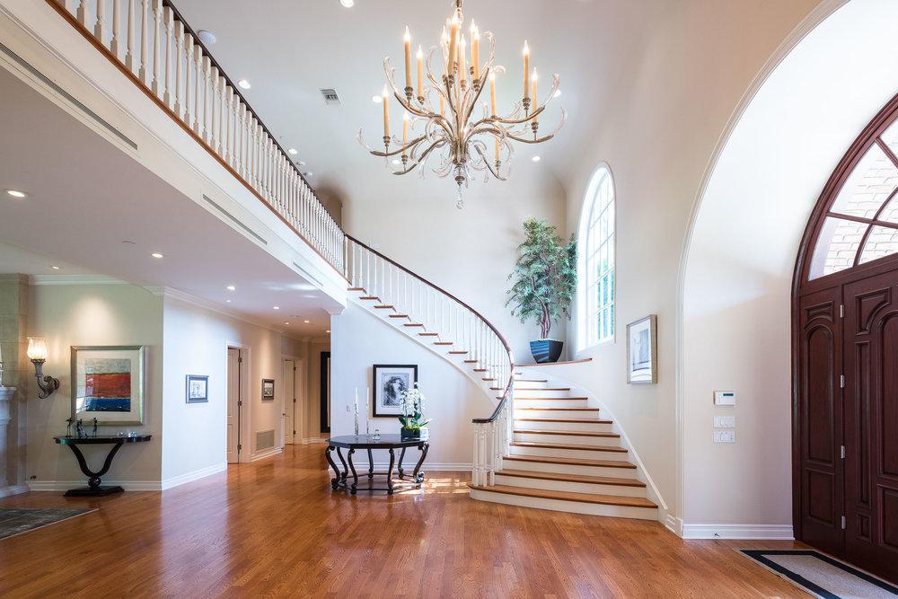 28 Staircase.jpg