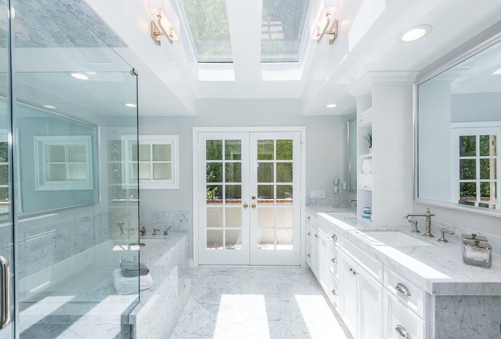 35 Master Bath.jpg