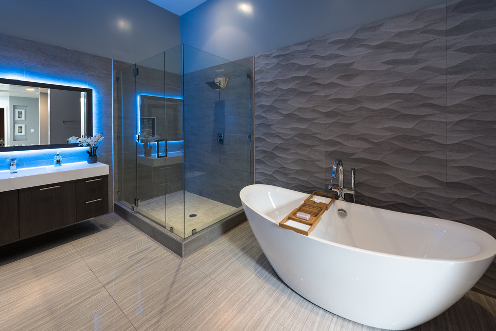 44 Master Bath (Hers).jpg