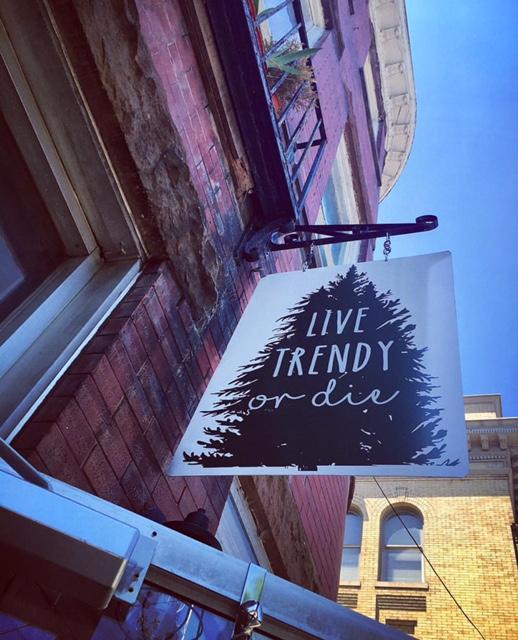 live_trendy_crew
