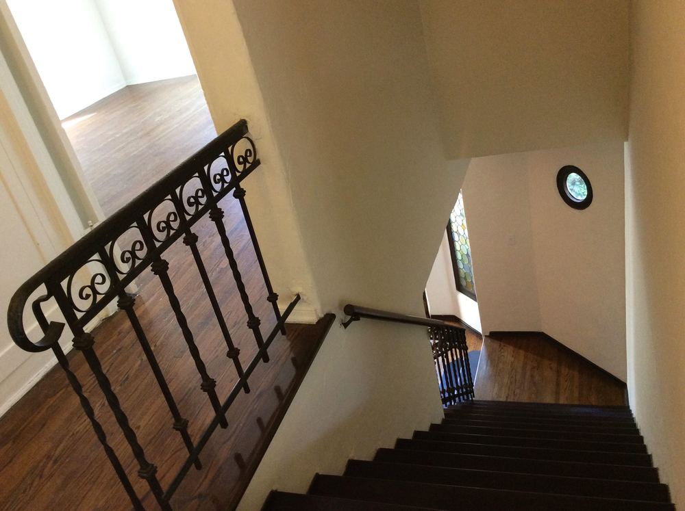 1515 Hayworth Staircase 1f.jpg
