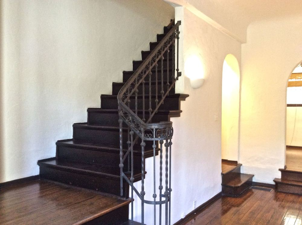 1515 Hayworth Staircase 1b.jpg