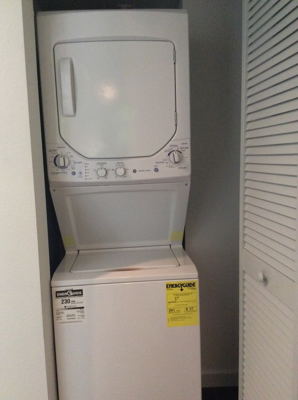 9 Hillside Washer:Dryer.JPG