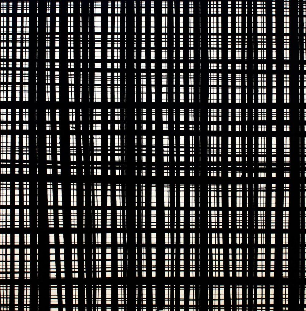 Chromatic Black Broken Grid