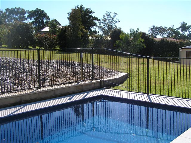 POOL FENCING & GATES
